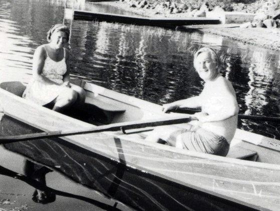 rowing on Lac Labelle