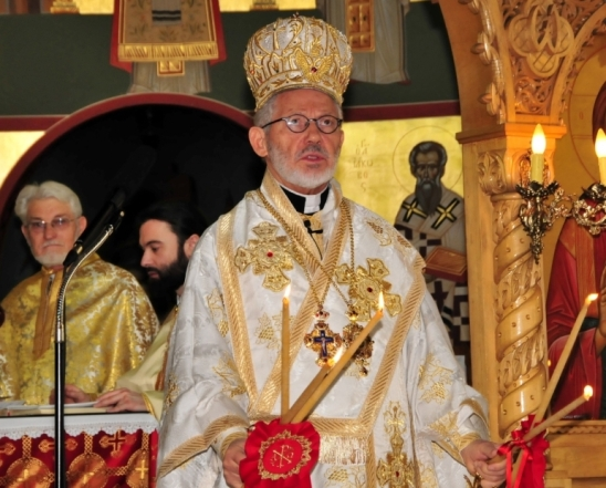 Metropolitan-Sotirios-blessing-the-faithful-at-the-Church-of-St.-Nicholas2